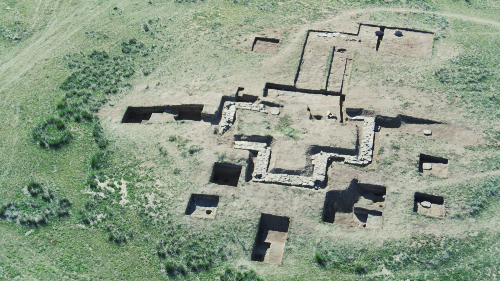 """Mongolia-Japan Joint Research Project on Archaeological Sites related to Genghis Khan (""""Shine Zuun"""" New Century Project)"""